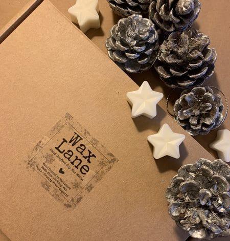 Christmas Soy Wax Melts Selection Box (18 Melts) @ beyoutifi